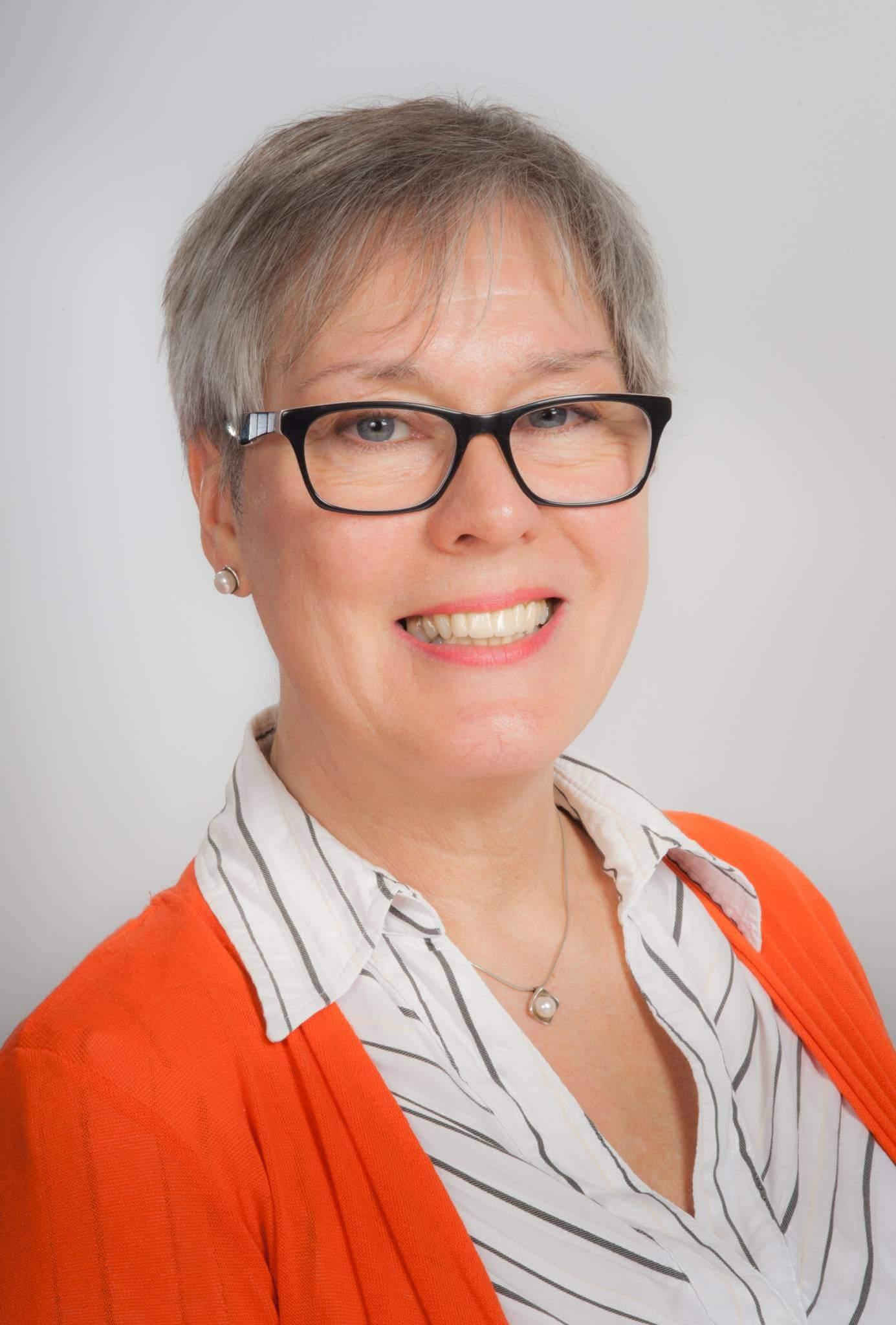 Dr Vicky Slonims