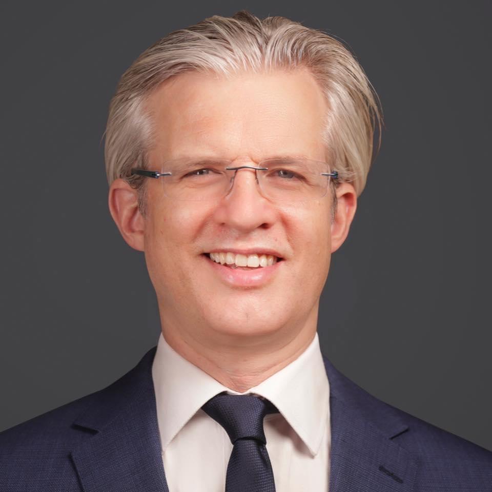 Dr Simon Shaw
