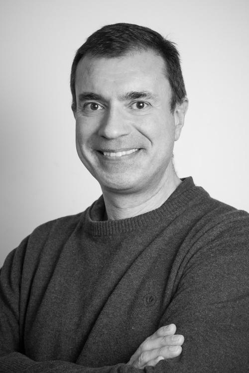 Professor Simon Redwood